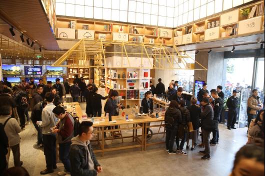 中国零售半年考苏宁夺魁 智慧零售模式全面占优