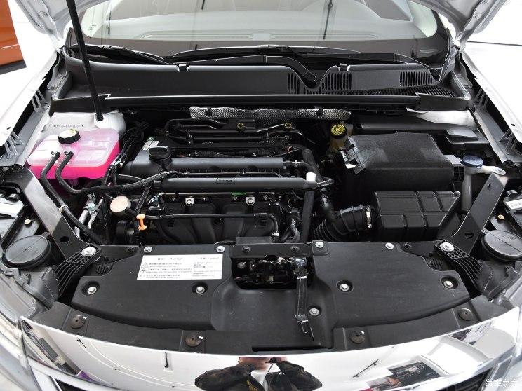 观致汽车 观致3 2018款 三厢 1.6L 自动领先型