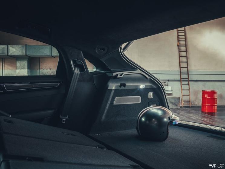 保时捷 Cayenne 2019款 Cayenne Turbo Coupé 4.0T